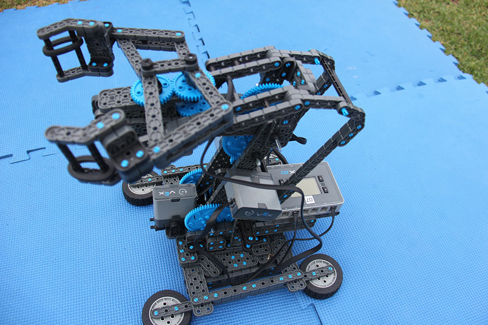 program-a-robot-vex-iq-5