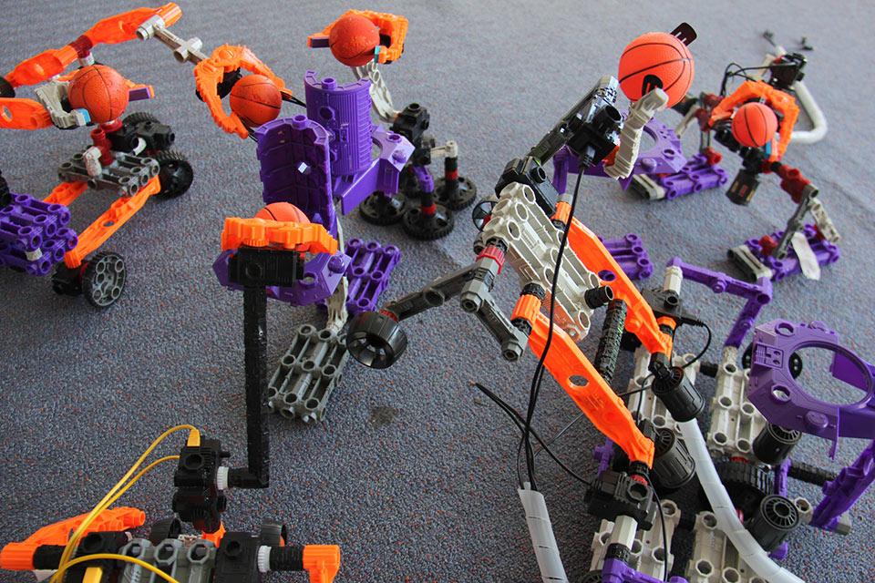 robots-come-to-you-basketball