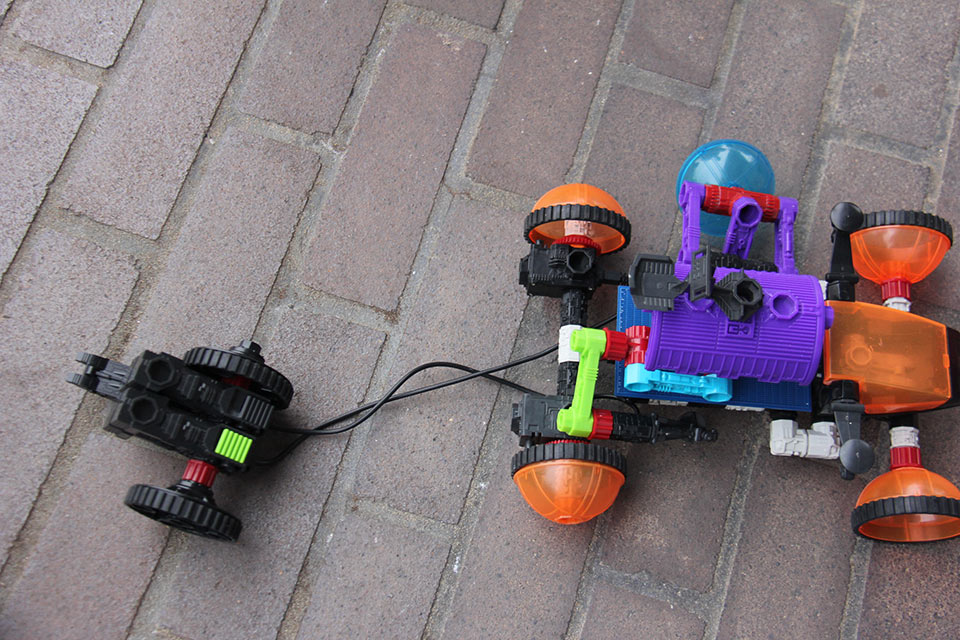 world-of-robotics-make-it-move