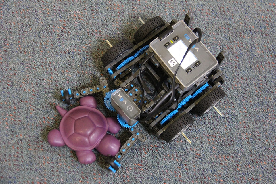 program-a-robot-vex-iq-1